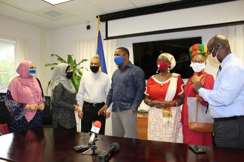 Head Coverings To Be Allowed For Official Photos