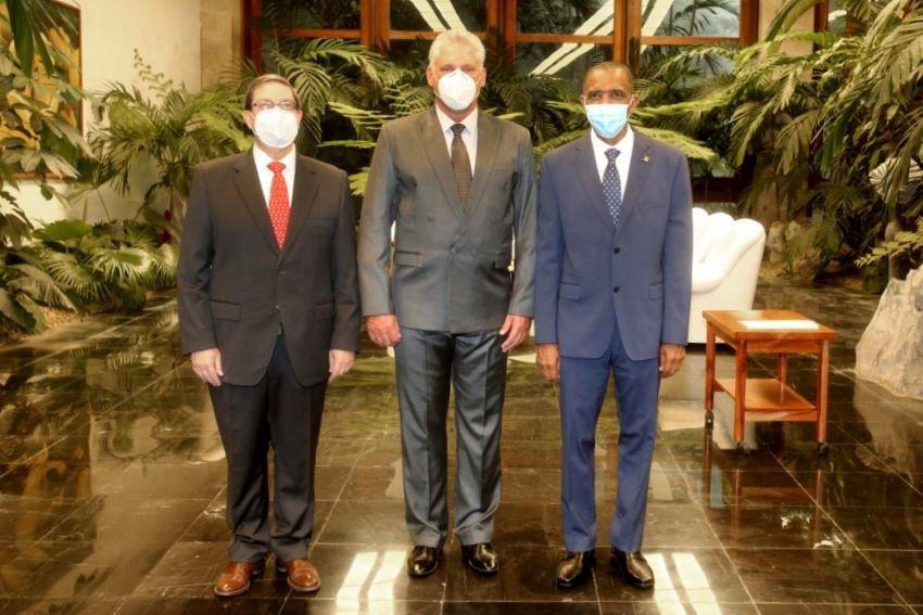 Ambassador St. Hill Presents Credentials In Cuba